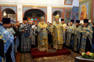 В канун праздника Благовещения Патриарший Экзарх совершил всенощное бдение в Покровском соборе Витебска