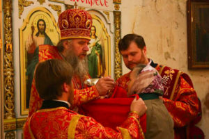 В неделю жен-мироносиц архиепископ Димитрий совершил литургию в храме св. мч. Ирины Патриаршего подворья в Москве
