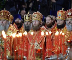 В канун дня памяти святителя Николая Чудотворца Святейший Патриарх Кирилл возглавил всенощное бдение и встречу мощей святителя в Храме Христа Спасителя в Москве