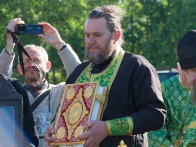 Участники православного крестного хода из Могилёва в Псков прибыли в Россию