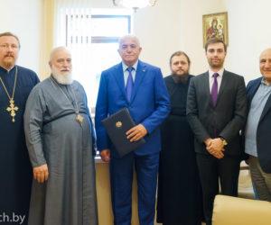 Патриарший экзарх всея Беларуси и Чрезвычайный и Полномочный Посол Армении в Белоруссии обсудили развитие дружеских контактов