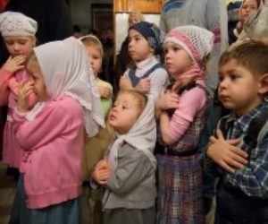 С ноября 2017 года в Храме Великомученицы Ирины по воскресным и праздничным дням проходит детская литургия.