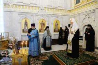 5 декабря в девятую годовщину со дня кончины Патриарха Алексия II Предстоятель Русской Церкви совершил заупокойное богослужение в Даниловом монастыре