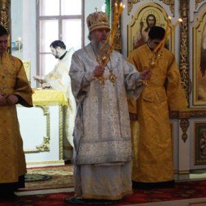 15 февраля в Праздник Сретения Господня Высокопреосвященнейший Димитрий, архиепископ Витебский и Оршанский, совершил Божественную литургию в храме св.Ирины в Покровском.