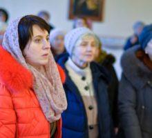 Более пятидесяти человек посетили первое занятие очередного курса лекций «Православие для начинающих» в Витебской духовной семинарии..