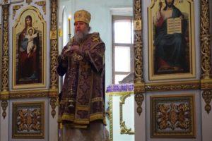 4 апреля, в Великую среду, Высокопреосвященнейший Димитрий, архиепископ Витебский и Оршанский, возглавил литургию Преждеосвященных Даров в храме св.Ирины.