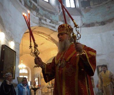 В день памяти св.великомученика Георгия Высокопреосвященнейший Димитрий, архиепископ Витебский и Оршанский, совершил Божественную литургию в храме святой Ирины