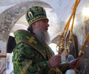 В праздник святой Троицы Высокопреосвященнейший Димитрий, архиепископ Витебский и Оршанский, возглавил Божественную литургию в храме св.Ирины