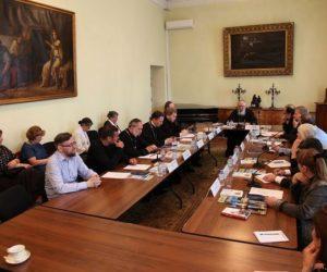 В Издательском Совете обсудят тему подвига новомучеников в литературе для юношества и подростков