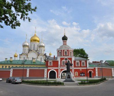 Девять зданий, входящих в ансамбль Зачатьевского монастыря, переданы Церкви
