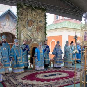 В Успенско-Богородичном Тихвинском монастыре отпраздновали 635-летие явления Тихвинской иконы Богоматери