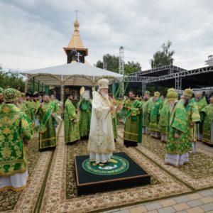 В день памяти святых благоверных Петра и Февронии Предстоятель Русской Церкви совершил Литургию в Свято-Троицком монастыре Мурома