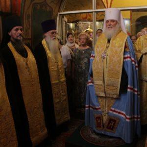 Митрополит Истринский Арсений возглавил торжества по случаю престольного праздника храма Василия Блаженного