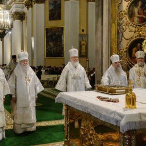 В 40-ю годовщину со дня кончины митрополита Никодима (Ротова) Святейший Патриарх Кирилл совершил Литургию в Александро-Невской лавре