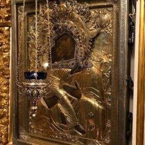 ИКОНА БОЖИЕЙ МАТЕРИ «УМИЛЕНИЕ» ИЗ ПСКОВО-ПЕЧЕРСКОГО МОНАСТЫРЯ ПРИБУДЕТ В МАНЕЖ НА ВЫСТАВКУ «СОКРОВИЩА МУЗЕЕВ РОССИИ»