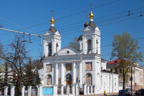 С 05 по 25 октября Витебское областное общественное объединение православных женщин совместно с Витебской епархией проводят акцию «подари книгу».