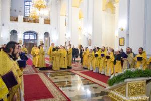 В день памяти небесного покровителя архиепископ Димитрий совершил Божественную литургию в кафедральном соборе Витебска