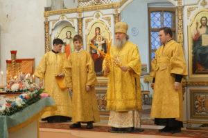 В Неделю 28-ю по Пятидесятнице архиепископ Димитрий возглавил Божественную литургию в храме св.Ирины