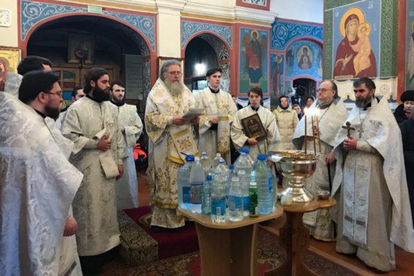 В Крещенский сочельник архиепископ Димитрий совершил богослужение в Свято-Покровском соборе г.Витебска