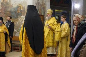 Накануне Недели сыропустной, воспоминания Адамова изгнания, архиепископ Димитрий возглавил всенощное бдение в храме святой великомученицы Ирины.