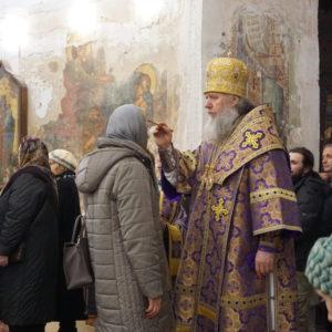 В канун Недели Крестопоклонной архиепископ Димитрий возглавил всенощное бдение в храме святой Ирины