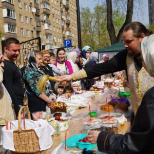 Освящение куличей и подготовка к празднику Пасхи в храме святой великомученицы Ирины