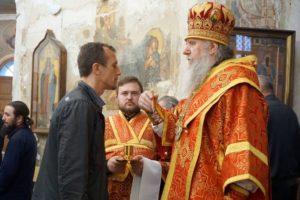 Накануне празднования перенесения мощей святителя Николая архиепископ Димитрий возглавил всенощное бдение в храме святой великомученицы Ирины