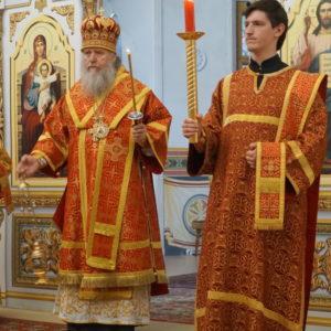 В канун Недели 5-й по Пасхе, о самаряныне, архиепископ Димитрий возглавил всенощное бдение в храме святой великомученицы Ирины