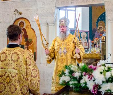 В праздник Всех святых архиепископ Димитрий совершил Литургию в Свято-Покровском соборе города Витебска