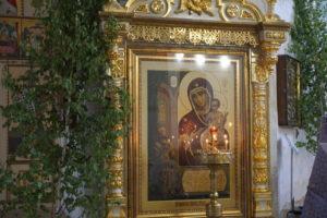 Иконы Божией Матери, находящиеся в Ирининском храме