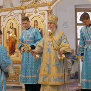 В праздник Покрова Пресвятой Богородицы архиепископ Витебский и Оршанский Димитрий совершил Литургию в храме великомученицы Ирины