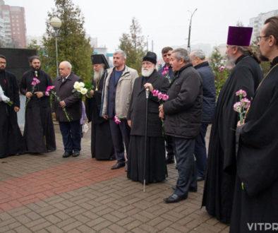 Митрополит Павел возложил цветы к монументу воинам-интернационалистам «Боль» и посетил ряд храмов города Витебска