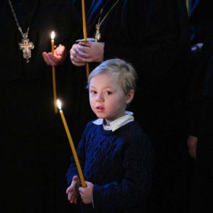 Митрополит Иларион: Церковь напоминает всем родителям, что ребенок нуждается не только в материальной пище, но и в духовной