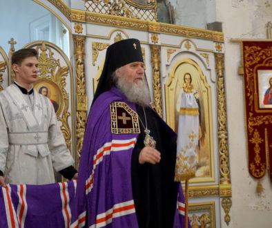 Архиепископ Витебский и Оршанский Димитрий возглавил Божественную литургию в храме великомученицы Ирины