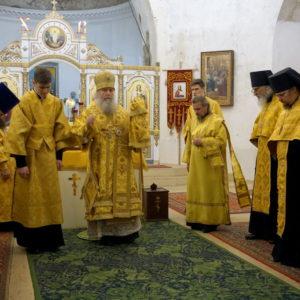 Архиепископ Витебский и Оршанский Димитрий возглавил всенощное бдение в храме великомученицы Ирины г.Москвы