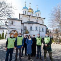 Новоспасский монастырь и молодежное движение «Православные добровольцы» окажут помощь людям старшего поколения