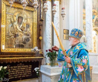 В праздник Благовещения Пресвятой Богородицы Патриарший Экзарх совершил Литургию в Свято-Духовом кафедральном соборе города Минска