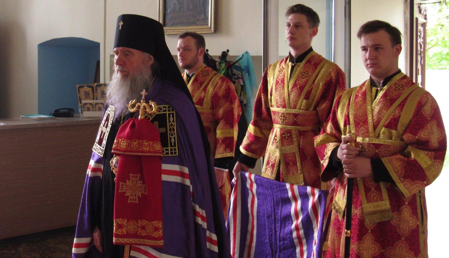 Архиепископ Витебский и Оршанский Димитрий совершил Божественную литургию в Свято-Троицком Марковом мужском монастыре города Витебска