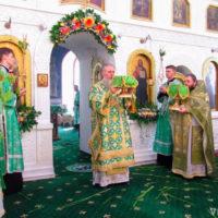 В день Святой Троицы архиепископ Витебский и Оршанский Димитрий возглавил праздничные богослужения в Свято-Троицком Марковом монастыре г.Витебска