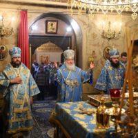 В праздник Казанской иконы Божией Матери Святейший Патриарх Кирилл совершил Литургию в Казанском соборе на Красной площади