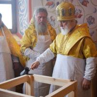 Патриарший Экзарх возглавил чин великого освящения храма в честь преподобного Серафима Саровского в городе Островец