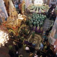 Архиепископ Витебский и Оршанский Димитрий принял участие в вечернем богослужении, которое состоялось накануне дня памяти преподобного Серафима Саровского в Дивеевском монастыре