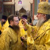 В канун Недели 24-ой по Пятидесятнице архиепископ Витебский и Оршанский Димитрий совершил всенощное бдение в Свято-Покровском соборе города Витебска