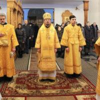 Патриарший Экзарх совершил Благодарственный молебен в двенадцатую годовщину итронизации Святейшего Патриарха Московского и всея Руси Кирилла