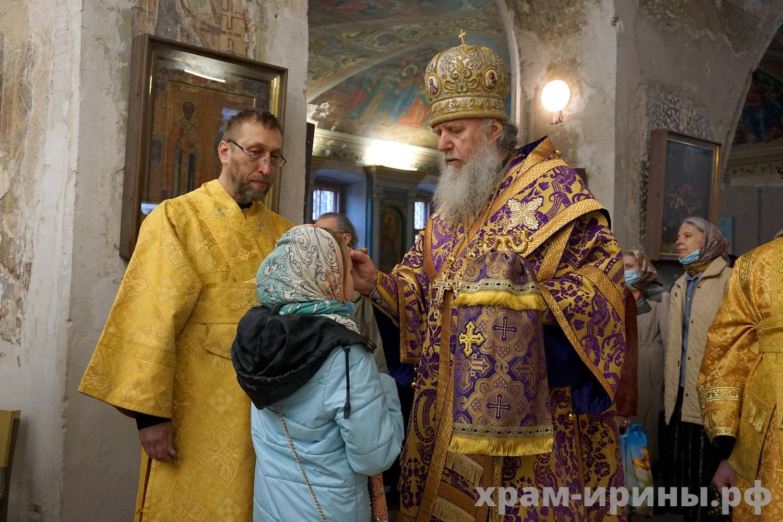 В Неделю 5-ю Великого поста архиепископ Витебский и Оршанский Димитрий возглавил богослужения в храме великомученицы Ирины города Москвы