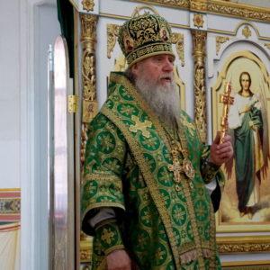 В День Святого Духа архиепископ Витебский и Оршанский Димитрий совершил Божественную литургию в храме великомученицы Ирины города Москвы