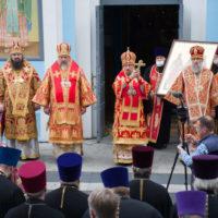 Патриарший Экзарх возглавил торжества в честь 30-летия обретения мощей праведного Иоанна Кормянского