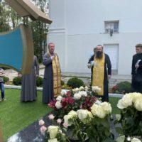 Епископ Гродненский и Волковысский Антоний совершил панихиду у могилы митрополита Филарета