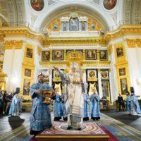 Предстоятель Русской Церкви совершил освящение воссозданного собора на месте явления Казанской иконы Божией Матери