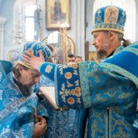 В день празднования явления Минской иконы Божией Матери митрополит Вениамин совершил Божественную литургию в Свято-Духовом кафедральном соборе города Минска